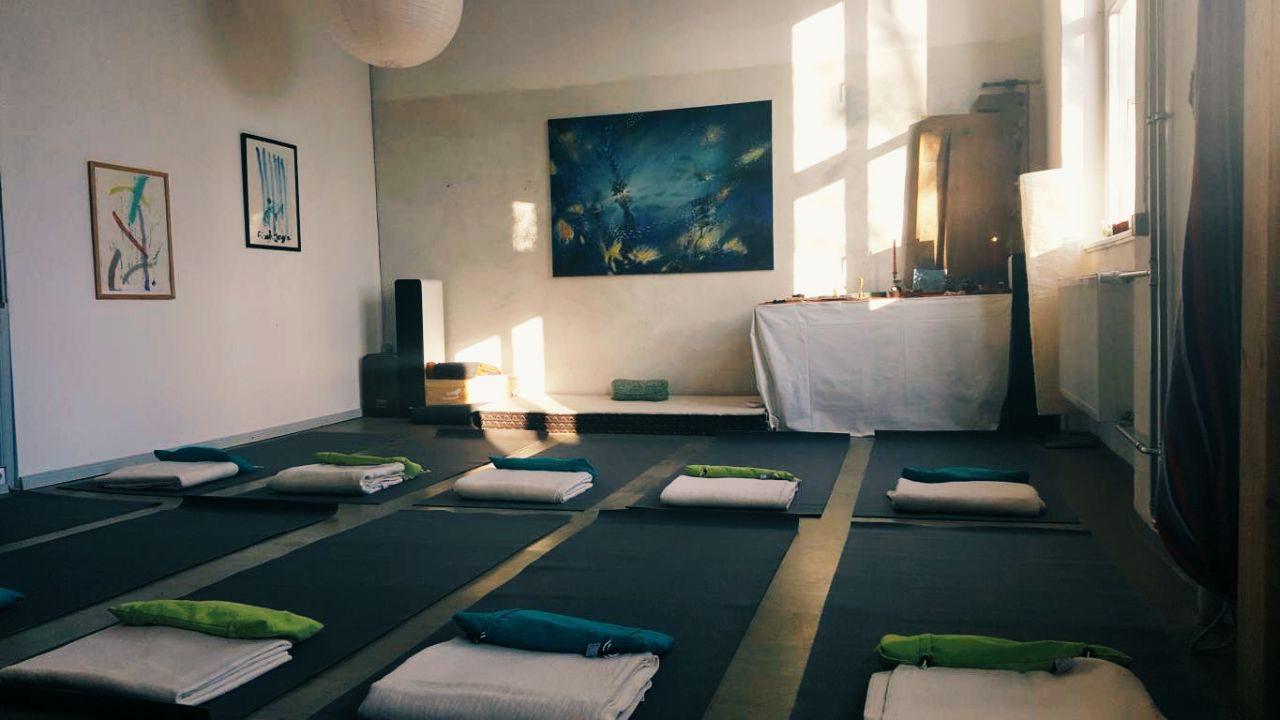 Avery Rosa Kundalini Yoga Augsburg 2
